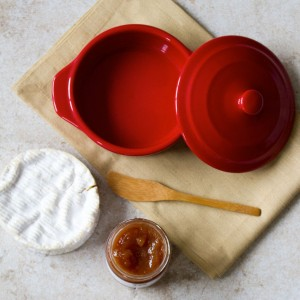 Getting Baked: An Easy Baked Brie Recipe for the Holidays