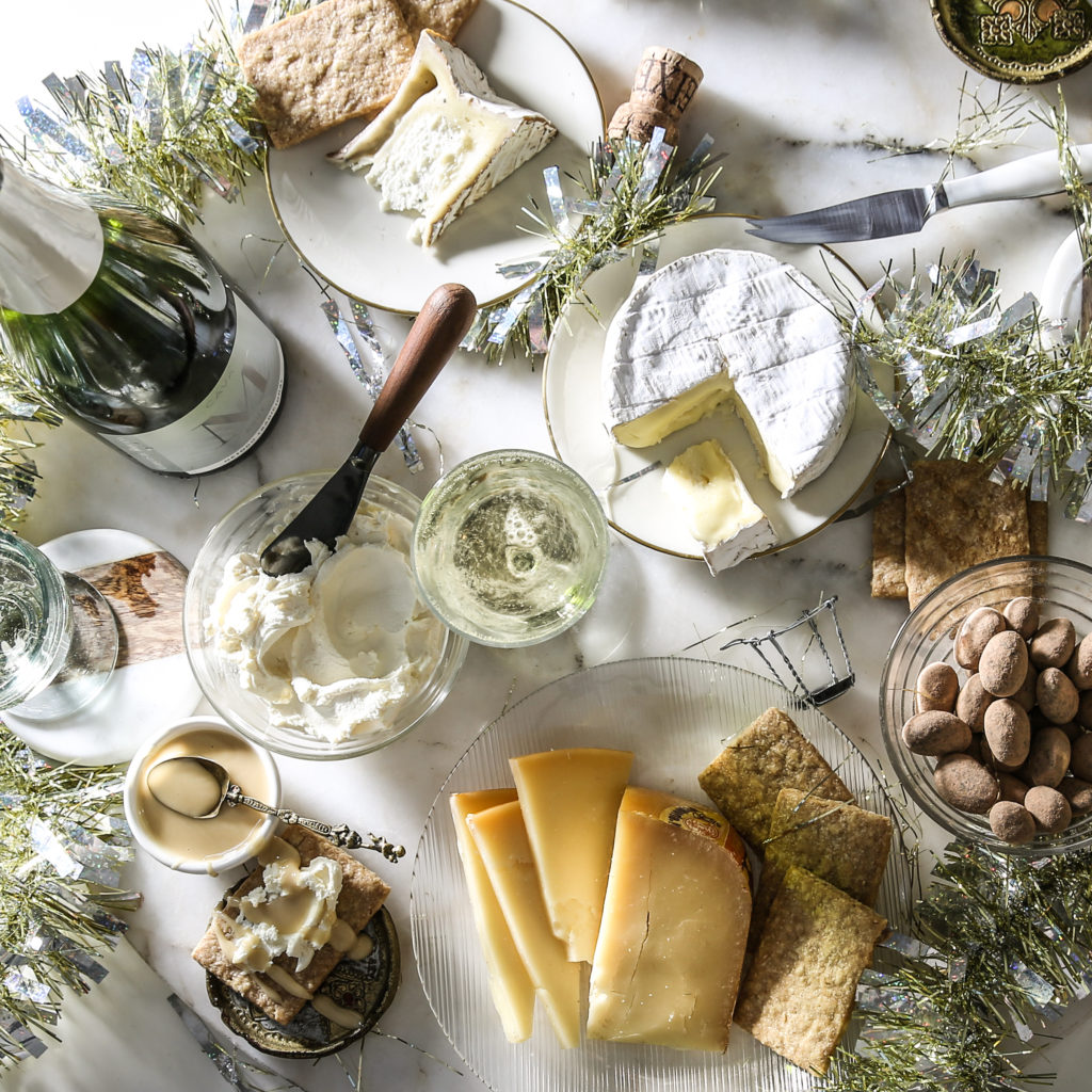 https://blog.murrayscheese.com/wp-content/uploads/2017/12/champagne-collection-holiday-1024x1024.jpg